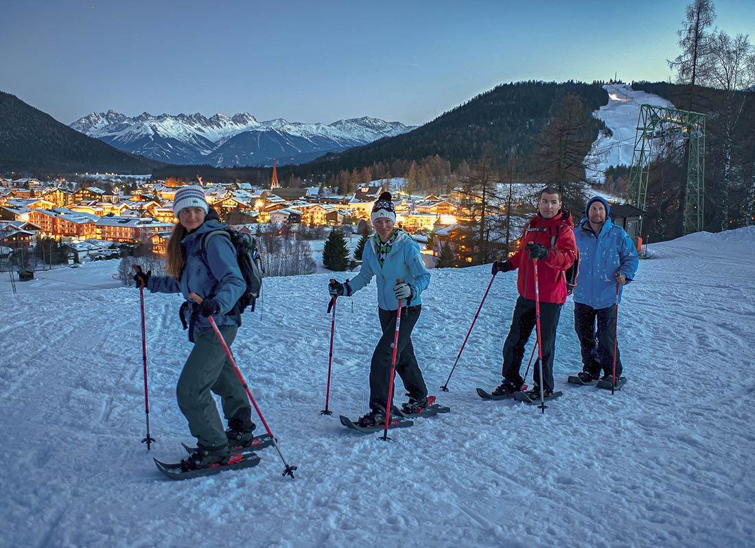 Romantische Schneeschuhwanderung in Seefeld in Tirol
